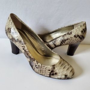 LIZ CLAIBORNE Taupe Snake Print Leather Pumps S 10